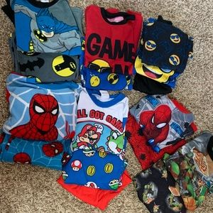 Boys youth size 8 fall pj's gently used